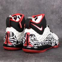 Basketbalové boty Nike Lebron XVII Graffiti