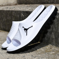 Pantofle Jordan Super.fly team slide graphic