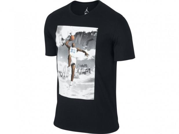 Triko Jordan dunk from above