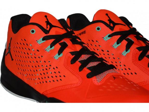 Basketbalové boty Jordan Rising Hi-Low