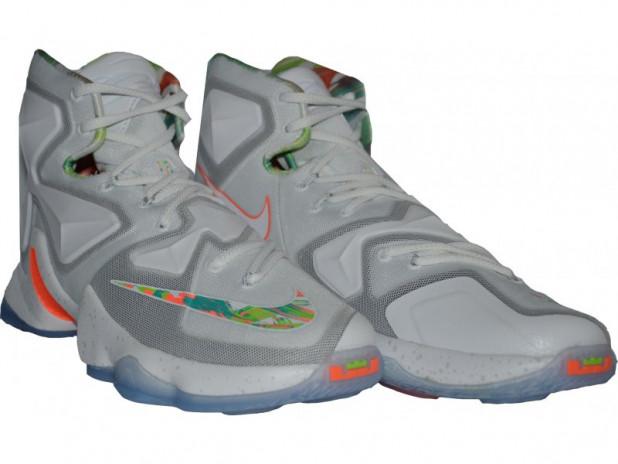 Basketbalové boty Nike Lebron XIII EASTER