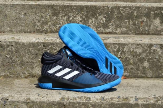 Basketbalové boty adidas Pro Elevate 2018