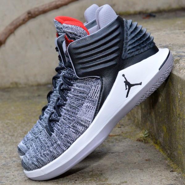 Basketbalové boty Air Jordan XXXII Black Cement