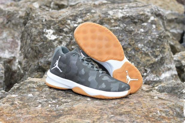 Basketbalové boty Jordan B. FLY