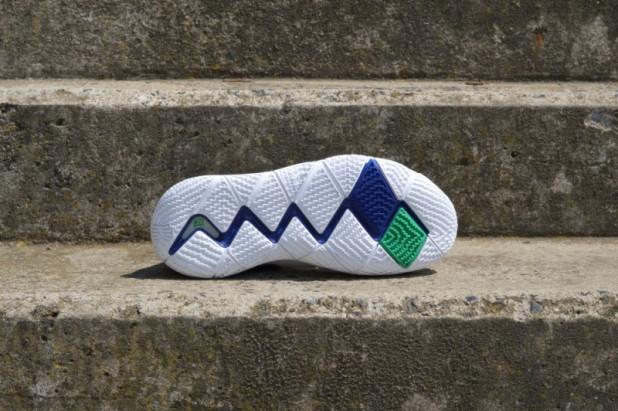 Basketbalové boty Nike Kyrie 4 Deep Royal