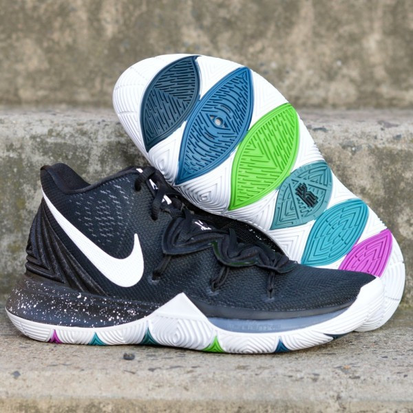 Basketbalové boty Nike Kyrie 5 BLACK MAGIC  1aaad06bda