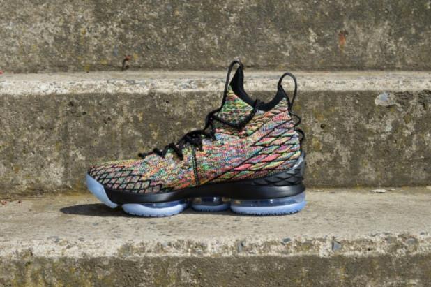 Basketbalové boty Nike Lebron XV Fruity Pebbles BLACK