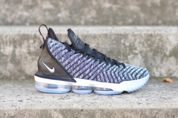 67340ba6af9 Basketbalové boty Nike Lebron XVI Oreo
