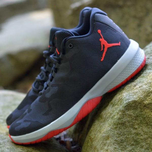 Dětské basketbalové boty Jordan B. FLY BP (pro nejmenší)