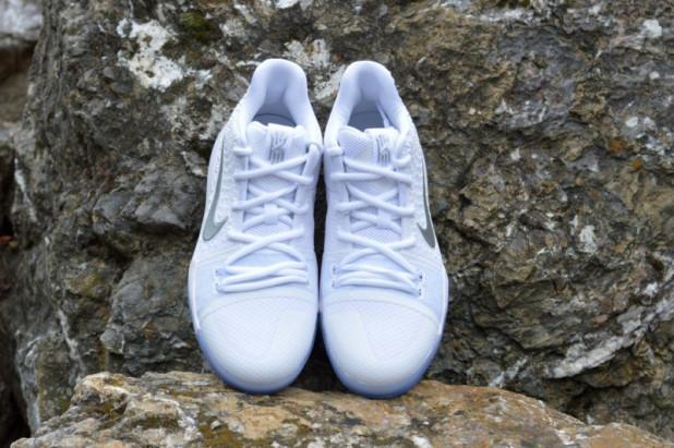 Dětské basketbalové boty Kyrie 3 Chrome