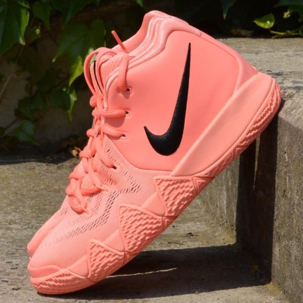 Dětské basketbalové boty Nike Kyrie 4 Atomic Pink