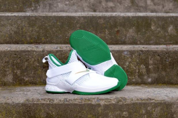 Dětské basketbalové boty Nike LeBron Soldier XII GS IRISH