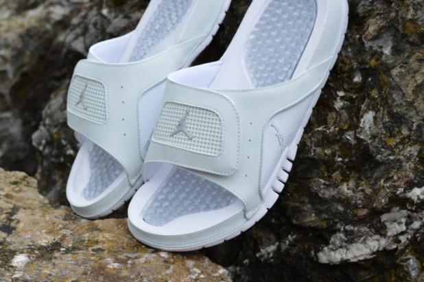 Pantofle Jordan Hydro IV Retro